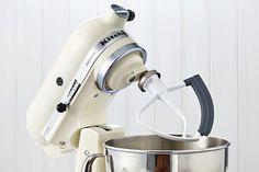 KitchenAid Mixer Flat or Flex Beater: What's the difference? Kitchenaid Mixer Accessories, Kitchenaid Stand Mixer, Kitchen Aid Mixer, Kitchen Appliances, Wooden Spoons, Flat, Diy Kitchen Appliances, Home Appliances, Bass