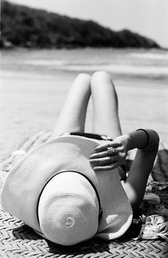 Beach hat #KSadventure #KendraScott