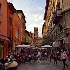 Via degli Orefici, Bologna - Instagram by scope79