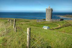 Doonagore Castle, Ireland - Photo by Noah Katz