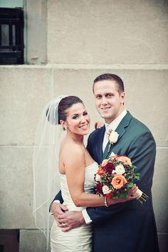 Clean, Classic, Colorful Wedding Portrait//Photo by Travis // #weddingphotographerminnesota #weddingphotography