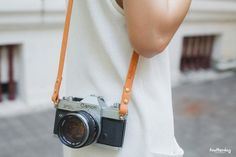 ★Leather Camera Strap : fix ★ - Made from vegetable tanned leather mm. - Hand made and hand cut - Personalized Leather Name