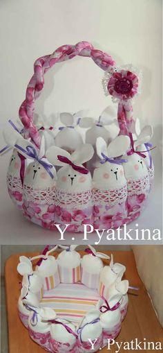 Cesta-coelhos-de-pascoa-tecido-floral-roxo