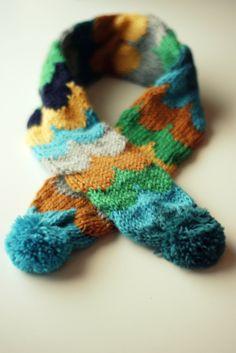 ·|· pom pom scarf