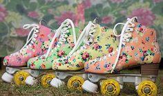 Patinando e Cantando: Primavera combina com patins de estampa floral