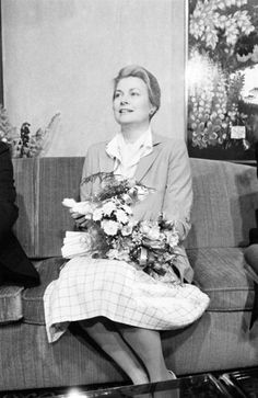 Princess Grace of Monaco went to the English Theater, Vienna in order to give a recial of poems from 'Evocations' as a benefit for children (The benefits will go to the SOS Club, a foundation for Austrian children, and to the Princess Grace Foundation for children) on June 14, 1980 in Vienna, Austria. (Photo by Udo SCHREIBER/Gamma-Rapho via Getty Images)