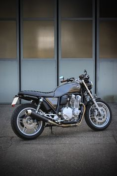 Honda CB 1100 Trust Me I'm A Biker Please Like Page on Facebook: https://www.facebook.com/pg/trustmeiamabiker Follow On pinterest: https://www.pinterest.com/trustmeimabiker/