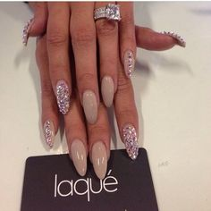 Nude claws with bling