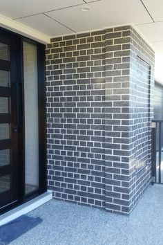 Looking for a polished brick to give you a more upmarket look and finish? Use polished Ultra bricks in Charcoal. 😘 They look fantastic with white and natural wood finishes. Also great as a feature and for piers. Retaining Wall Blocks, Brick Homes, Landscaping Supplies, Natural Wood Finish, Bricks, Charcoal, Brick Houses, Brick