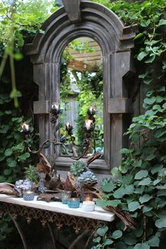 Flesh out the loveliness of your green space with the presence of garden mirrors. Having a courtyard with a tiny garden? Flesh out the loveliness of your green space with the presence of garden mirrors. Unique Gardens, Beautiful Gardens, Magical Gardens, Dream Garden, Garden Art, Garden Nook, Garden Bedroom, Garden Birds, Easy Garden