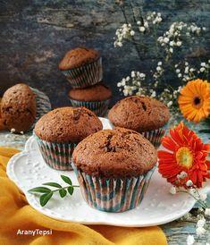 Mostanában eléggé elfeledkeztem a muffinról, pedig ez az egyik legegyszerűbb, és leggyorsabb édesség, amit az ember lánya megsüthet, ha egy ... Muffin, Sweets, Breakfast, Food, Morning Coffee, Gummi Candy, Candy, Essen, Muffins