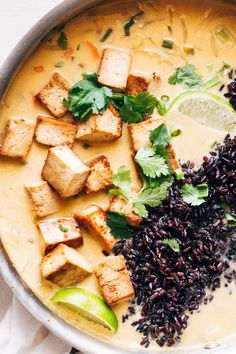 ginger + lemongrass infused thai soup with crispy tofu and wild rice Mit Ingwer und Zitronengras angereicherte Thai-Suppe mit knusprigem Tofu und Wildreis (vegan + glutenfrei) Tofu Recipes, Asian Recipes, Whole Food Recipes, Cooking Recipes, Healthy Recipes, Thai Vegetarian Recipes, Thai Vegan, Wild Rice Recipes, Vegetarian Cookbook