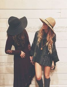 Boho Look With Flowy Sleeves & Floppy hat