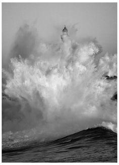 *Fury - Faro de la Isla de Mouro. Santander. Cantabria. España