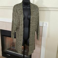 Dress barn Sweater Green Sheer Cover Size 1X Dress barn Sweater Green Sheer Cover Size 1X/12-14  Excellent Gently Used Condition. Dress Barn Sweaters Shrugs & Ponchos