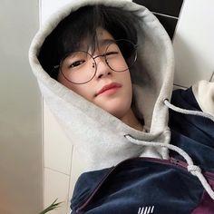 Ulzzang boys and squad Korean Boys Hot, Korean Boys Ulzzang, Korean Couple, Ulzzang Couple, Ulzzang Boy, Korean Men, Korean Girl, Cute Asian Guys, Asian Boys