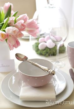 Easter table | Pink