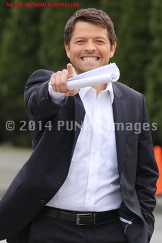What a Gorgeous smile on Misha's face...lovely teeth!   #MishaCollins #Supernatural