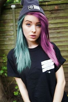 If I ever dip dyed my hair two different colors, it would be these two. So prettyyyyy.
