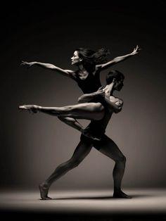 Christopher Harrison and Sophie Martin in Scottish Ballet's EIF...