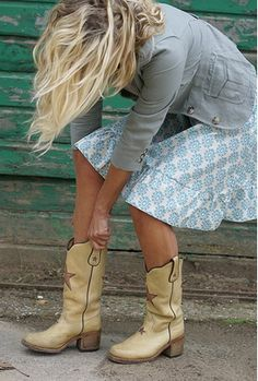 I want these Sendra boots Cowgirl Chic, Cowgirl Style, Cowgirl Boots, Western Style, Mode Style, Style Me, Biker Look, Botas Western, Star Boots