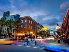 The Gaslamp Quarter boasts buzzy restaurants and sleek rooftop bars. (Photo: San Diego Tourism Authority)