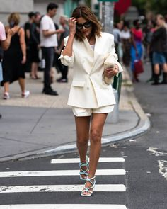 Chic outfit idea to copy ♥ For more inspiration join our group Amazing Things ♥ You might also like these related products: - Dresses ->. Pretty Outfits, Chic Outfits, Fashion Outfits, Beautiful Outfits, Girly Outfits, Fashion Clothes, Fashion Ideas, Summer Outfits, Fashion Jewelry