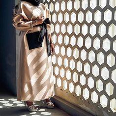 "63 Likes, 1 Comments - BeautiifulinBlack (@beautiifulinblack) on Instagram: ""@zaraazii 🌸 —————————————————————— #abayastyle #abayafashion #modestfashion #modernabaya…"""