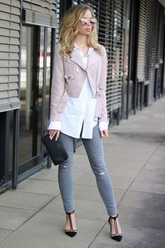 Outfit Inspiration: Spring Mood w/ my pink suede jacket, white shirt, grey denim, Zara heels and mirror sunnies. See the whole Look on www.my-philocaly.com