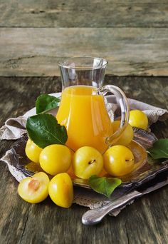 For more juicing tips, click now. Keep yourself healthy just by making the most of making juice. Food intake is very important in our long-term health and wellness. A lot of vegetable and fruit will always be healthy for you. Fruit Drinks, Yummy Drinks, Healthy Drinks, Healthy Fruits, Fruits And Vegetables, Plum Juice, Vegetable Pictures, Yellow Plums, Fruits Photos