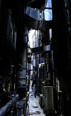 【路地裏世界旅行】不思議で怪しくてなんだかワクワクする風情のある路地裏画像 Kowloon Walled City, Alleyway, Visit Japan, Slums, Urban Decay, Street Photography, Scenery, Landscape, Wallpaper