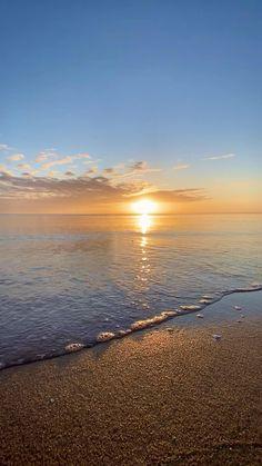 Beautiful Nature Scenes, Beautiful Nature Wallpaper, Beautiful Sunset, Amazing Nature, Beautiful Beaches, Image Nature, Nature Gif, Nature Beach, Nature Water