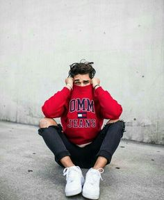 Moda adolescente masculina casual trendy Ideas is part of Boy photography poses - Poses Pour Photoshoot, Style Photoshoot, Portrait Photography Men, Photography Poses For Men, Flash Photography, Inspiring Photography, Photography Tutorials, Beauty Photography, Creative Photography