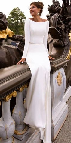 Of The Most Graceful Simple Wedding Dresses With Sleeves ★ wedding dress 18 Of The Most Graceful Simple Wedding Dresses With Sleeves Evening Dresses For Weddings, Long Sleeve Wedding, Modest Wedding Dresses, Elegant Dresses, Lace Wedding, Gown Wedding, Wedding Cakes, Wedding Rings, Winter Wedding Dresses