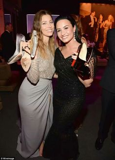 Jessie and Demi taking it easy at the Oscars Aftershow Party