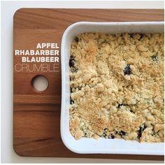 Apfel-Rhabarber-Blaubeer Crumble | stilles bunt