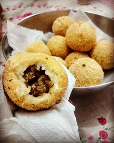 coxinha de berinjela https://www.facebook.com/photo.php?fbid=1710393069219188&set=gm.1957280341164355&type=3&theater
