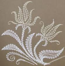 "Résultat de recherche d'images pour ""velikonoční podvinky zdarma"" Hobbies And Crafts, Diy And Crafts, Lace Art, Bobbin Lace Patterns, Point Lace, Lace Jewelry, Needle Lace, All Craft, Lace Making"