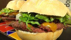 Sandwich de roastbeef y cheddar · @sandwishare · #sandwich
