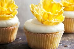 These fruity, flower-topped cupcakes will wow your guests with good looks and tropical coconut and pineapple flavours. Baking Cupcakes, Cupcake Recipes, Cupcake Ideas, Ultimate Cupcake Recipe, Cooking Cake, Cooking Recipes, Pina Colada Cupcakes, Coconut Icing, Cupcake Images