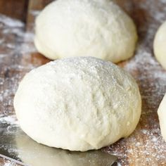 No electric mixer or fancy pizza dough hook needed for this Quick and Easy Pizza Dough. A foolproof homemade pizza crust every time! Makes 1 large pizza. Pizza Recipes, Cooking Recipes, Fancy Pizza, Easy Pizza Dough, Pizza Dough Recipe No Mixer, Easy Homemade Pizza, Bananas, Food Print, Electric Mixer