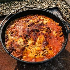 Lasagna from the Dutch Oven Dutch Oven Whole Chicken, Dutch Oven Beef Stew, Dutch Oven Bread, Dutch Oven Camping, Dutch Oven Recipes, Dutch Oven Lasagna, Apple Recipes, Baby Food Recipes, Healthy Recipes