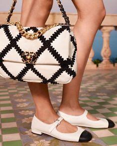 Chanel 19, Chanel Shoes, Coco Chanel, Louis Vuitton Presents, Cartoon Bag, Novelty Bags, Chanel Handbags, Chanel Bags, Luxury Handbags
