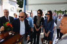 Enterro de Guilherme Karam reúne familiares e amigos famosos no Rio