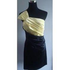 Clotheswap - Cocktail Dress Hourglass Body Shape, Body Shapes, Cocktail, Feminine, How To Wear, Clothes, Tops, Dresses, Women