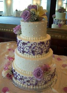 Purple White Garden Round Spring Summer Vineyard Wedding Cakes Photos & Pictures - WeddingWire.com