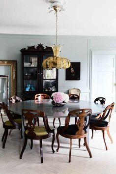 White walls & dark furniture