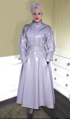 Vinyl Raincoat, Pvc Raincoat, Rubber Dress, Rubber Raincoats, Leder Outfits, Latex, Plastic Pants, Raincoats For Women, Rain Wear