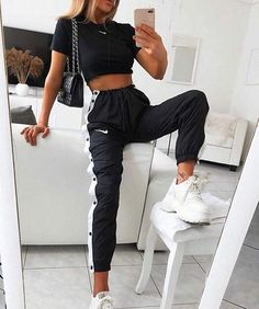 Cute Shoes For Teen Girls Ootd – Source by charlottepicturefeast Jimilaka Mädchen Kleid Prinzessin Vaiana Adventure Kostüm Party Kleid Outfit Cute summer outfits aesthetic ; cute summer outfits for teens, cute summer outfits for women, cute su 69 Most … Winter Fashion Outfits, Look Fashion, Fall Outfits, Fashion Dresses, Sporty Fashion, Fashion Women, Nike Outfits, Nike Fashion Outfit, Fitness Outfits