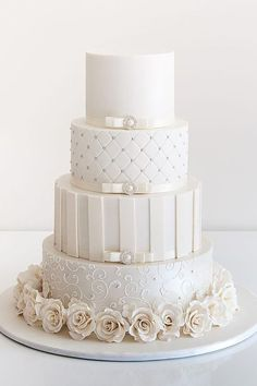 White Wedding Cakes - These gorgeous wedding cake pictures are sure to inspire your wedding cake design. From simple to elegant to chic wedding cakes, there is something for every taste - no pun intended. White Wedding Cakes, Elegant Wedding Cakes, Beautiful Wedding Cakes, Gorgeous Cakes, Wedding Cake Designs, Pretty Cakes, White Weddings, Blush Weddings, Summer Weddings